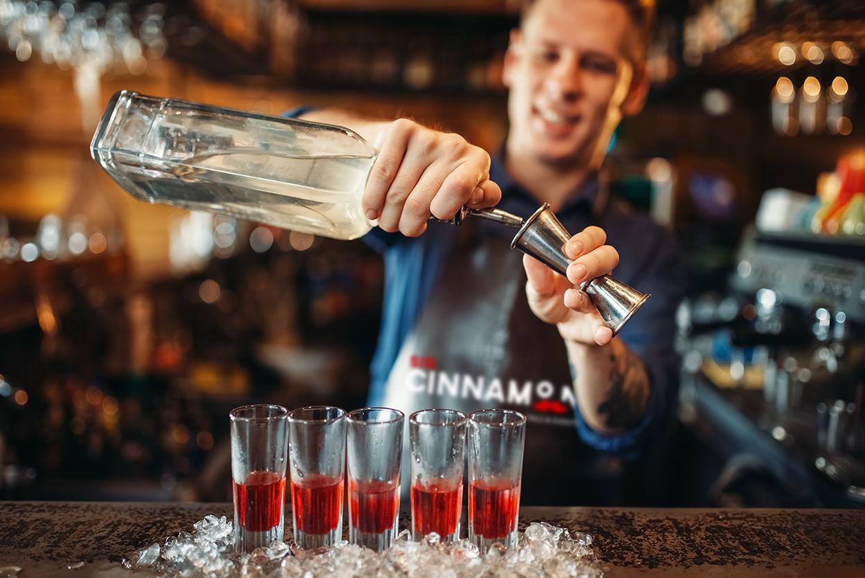 Curso de coctelero en Sir Cinnamon